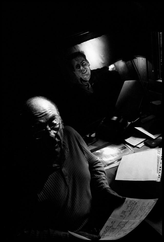 Portrait de Jean Vuarnet au coté de sa photo qui ornait jadis l'entrée du téléphérique